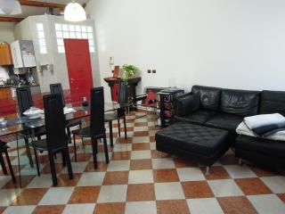 ROMANTIC APARTMENT FOR 2 - VENICE - Free WiFi - Venice vacation rentals
