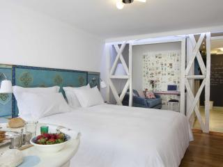 Residentas Atalaia One-Bedroom - Lisbon vacation rentals