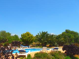 Can Cova – Rustic holiday home nearby Es Llombards - Santanyi vacation rentals