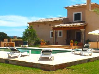 4 bedroom Villa with Internet Access in Campos - Campos vacation rentals