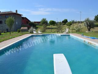 Spacious 7 bedroom House in Montefiascone with Deck - Montefiascone vacation rentals