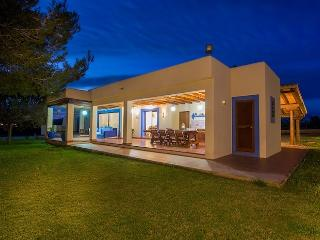 Beautiful private villa near Jesus and Ibiza Town. - Nuestra Senora de Jesus vacation rentals