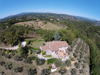 Charming 4 bedroom Rocca Sinibalda Villa with Internet Access - Rocca Sinibalda vacation rentals