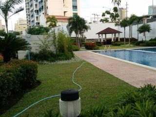 Fully Furnished Condo in the City - Free WiFi - Muntinlupa vacation rentals