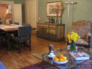 Florentine Elegance in Historic Santa Croce - Florence vacation rentals