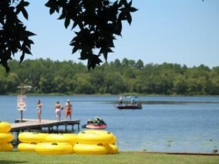 Lake cabins, Crockett, central to Dallas & Houston - Crockett vacation rentals