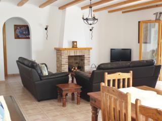Lovely 3 bedroom Alcalali Villa with Internet Access - Alcalali vacation rentals