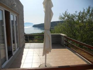 2 bedroom Apartment with Internet Access in Lumbarda - Lumbarda vacation rentals