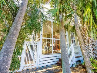 Going Coastal: 3Bdrm, Sleeps 12, Steps To Beach! - Destin vacation rentals