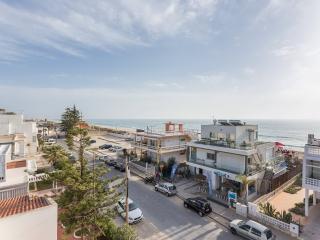 Fantastic Beach Apartment!15mts from sea - Faro vacation rentals