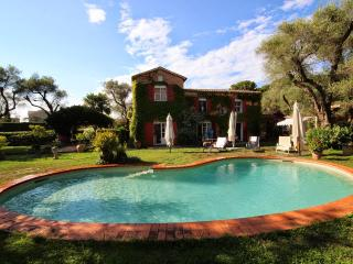 Villa with huge garden and pool on Cape d'Antibes - Antibes vacation rentals
