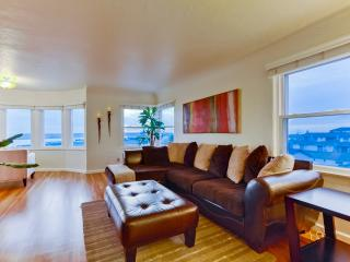 THE REVIEWS DON'T LIE; MODERN PENTHOUSE HOME w/ VIEWS, LOCATION, MEMORIES! - San Diego vacation rentals