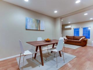 MODERN CITY OASIS; 5 MIN WALK TO EVERYTHING; HUGE YARD; BEST DEAL IN SD! - San Diego vacation rentals
