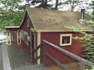 CROW`S NEST | WEST BATH MAINE | WATERFRONT | STUNNING VIEWS | DOCK AND FLOAT | QUIET RETREAT - Boothbay vacation rentals