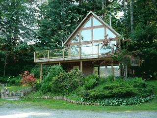 Comfortable Guest house with Deck and Outdoor Dining Area - Quadra Island vacation rentals