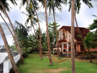 THE JACKFRUIT TREE AT BEACH, Kozhikode, Elathur - Kerala vacation rentals