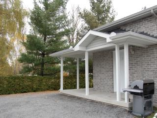 Nice Condo with Internet Access and A/C - Ottawa vacation rentals