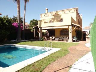 Villa in second line beach - San Pedro de Alcantara vacation rentals