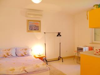 02 Studio app Noa with pool_Funtana - Funtana vacation rentals
