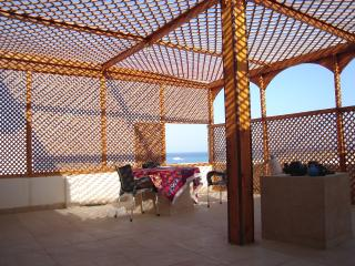 Romantic 1 bedroom Marsa Alam Penthouse with Deck - Marsa Alam vacation rentals