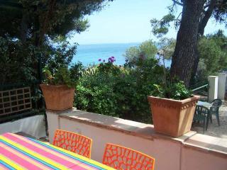 2 bedroom Villa with Balcony in Les Issambres - Les Issambres vacation rentals