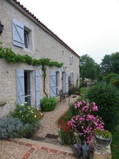 Nice 2 bedroom B&B in Sainte-Hermine - Sainte-Hermine vacation rentals