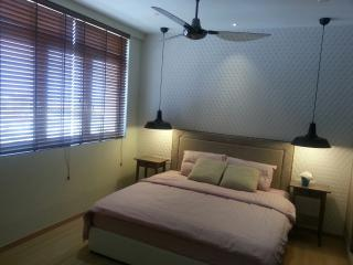 Cozy Condo with Internet Access and A/C - Tanjong Tokong vacation rentals