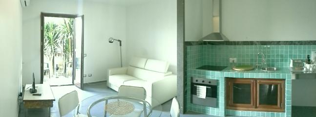 Apartment & Breakfast Domus Roma Trionfale - Rome vacation rentals