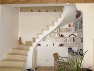 Nice House with Internet Access and Dishwasher - L'Isle-sur-la-Sorgue vacation rentals