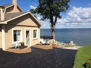 Dragonfly Lake House, Bridgeport, Oneida Lake - Cleveland vacation rentals