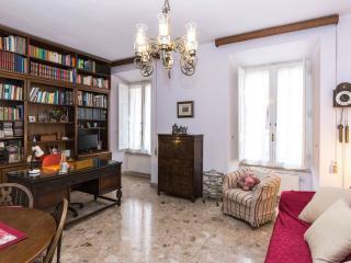 Casa Vaticano 1, into history! - Rome vacation rentals
