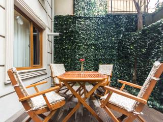 CITY CENTER STUDIO WITH A PRIVATE GARDEN - Istanbul vacation rentals