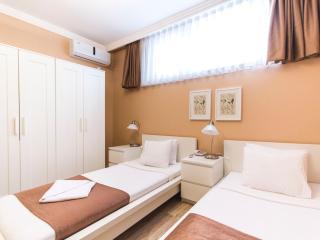 STYLISH AND ECONOMICAL STUDIO - Istanbul vacation rentals