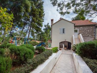 Luxury near beach apartment Eli A2+2 - Bol vacation rentals