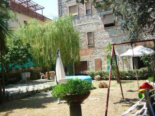 Bright 2 bedroom Castiglione Del Lago Apartment with Internet Access - Castiglione Del Lago vacation rentals