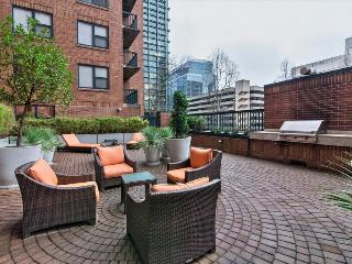Stay Alfred Downtown Blocks to the Waterfront EX2 - Portland Metro vacation rentals