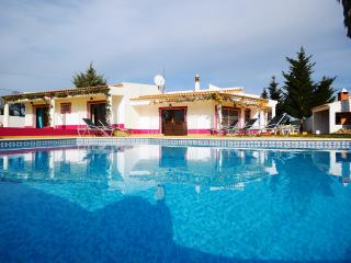 Villa Casinha - Olhos de Agua vacation rentals