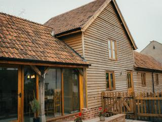 Comfortable Barn with Internet Access and Satellite Or Cable TV - Stauton On wye vacation rentals