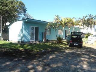 Casa a 400 metros da Praia Da Lagoinha SC - Ponta das Canas vacation rentals