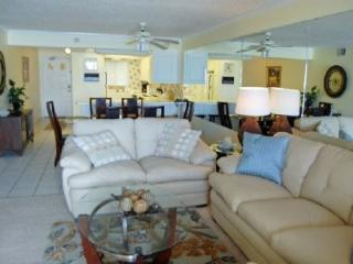 Spacious 2 Bedroom 2 bath condo on the 3rd Floor at Regency Towers - Thomas Drive vacation rentals