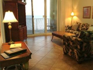 Relax in our 2 Bedroom with a Spacious Curved Balcony at Twin Palms. Includes FREE BEACH CHAIR SERVICE! - Panama City Beach vacation rentals