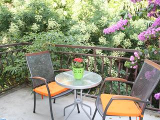 Authentic stay by the Bacvice bay - Split vacation rentals