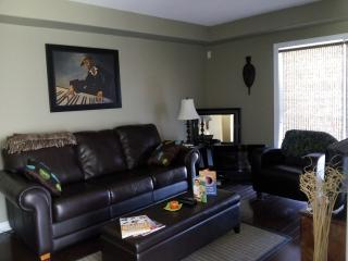 Nice 3 bedroom Townhouse in Stoney Creek - Stoney Creek vacation rentals