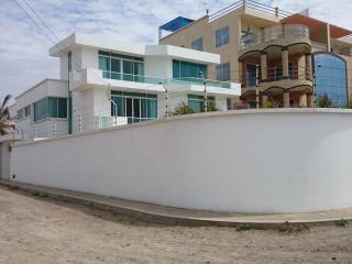 Crucita beech home. (Beach beauty) - Manabi Province vacation rentals