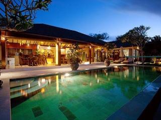STUNNING 3 BEDROOM VILLA KIKI - SEMINYAK - Seminyak vacation rentals