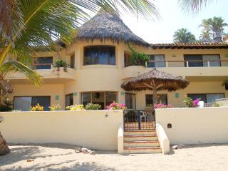 Casa de las Estrellas - Beachfront! - San Pancho - Rincon de Guayabitos vacation rentals