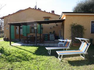 2 bedroom Farmhouse Barn with Internet Access in Massarosa - Massarosa vacation rentals