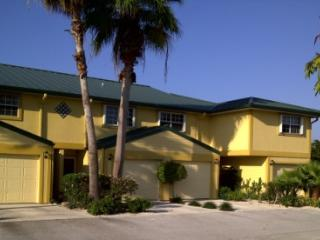 Perfect Island Condo - West Bay vacation rentals