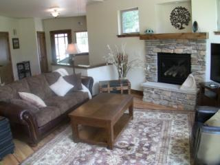 Brand New, Luxe 3BR - Shooting Star in the Rockies - Estes Park vacation rentals