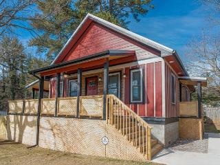 My Little Red Cottage - Asheville vacation rentals